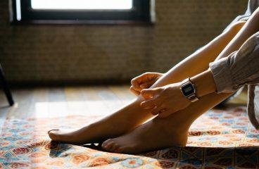 Qué síntomas pueden producir las varices en las piernas